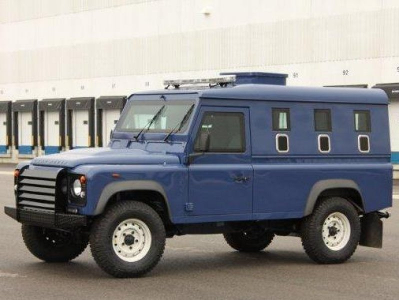 armored-land-rover-defender-49